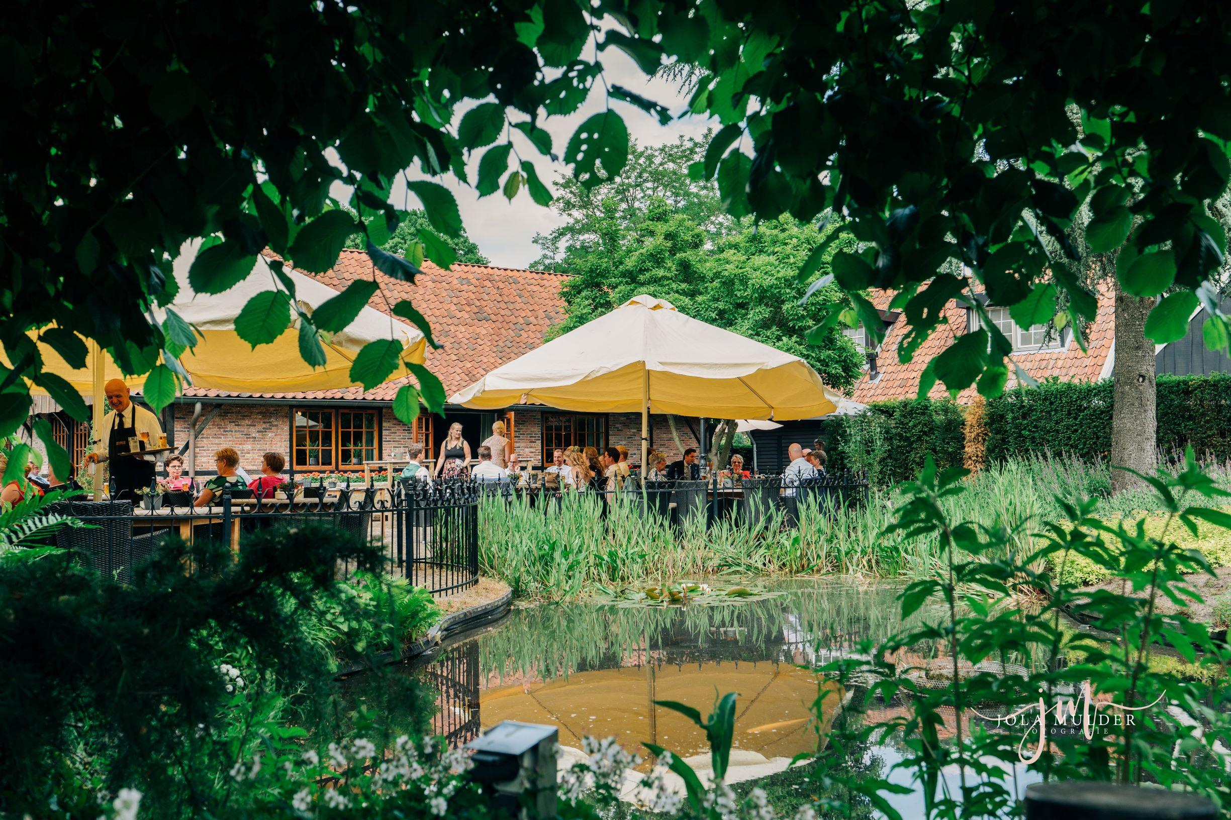Terras - Lunch - Diner - Wandeltocht - Fietstocht - Restaurant Bij Boenders - Privé events - verjaardag - jubileum - familiefeest - familiedag - Jola Mulder Fotografie - Wapen van Beckum